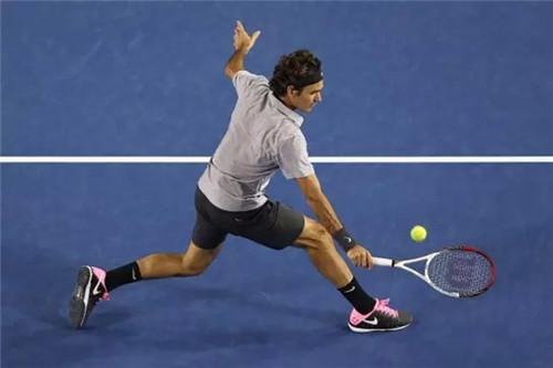 网球技术 】要想练好反手截击